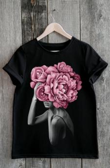 Модная черная футболка Милана